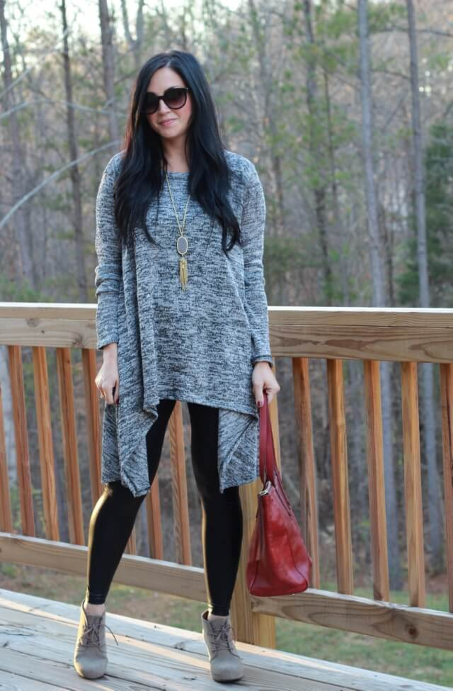 Leather leggings, booties, tunic. Via Stilettos and Diapers