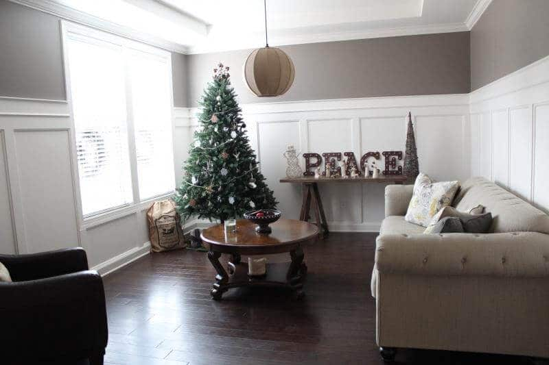Rustic chic Christmas via Stilettos and Diapers