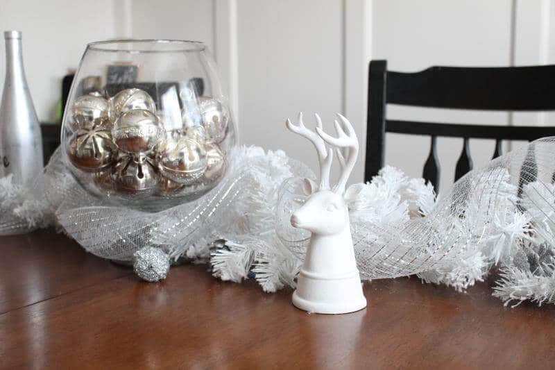 Christmas Centerpiece with Wallace Bells via Stilettos and Diapers