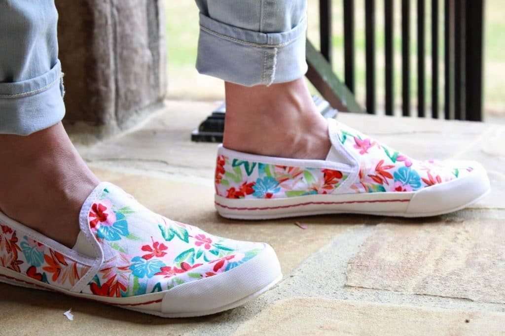 Stilettos and Diapers: Florals with Rack Room Shoes