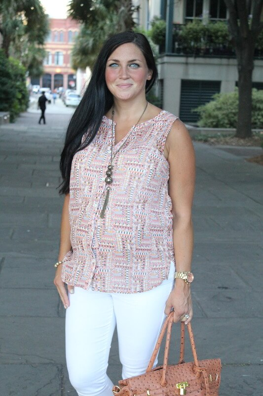 White skinny jeans, pattern top
