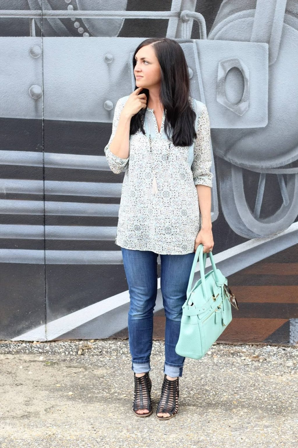 Black sandals, mint bag, floral tunic