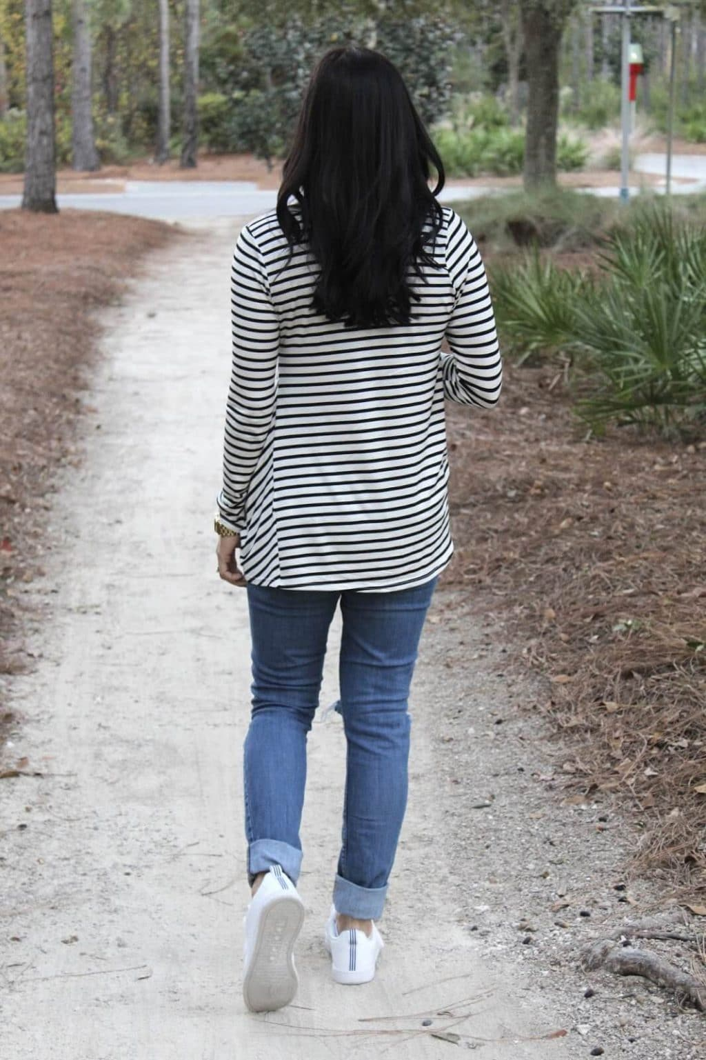 Striped knot front tee, adidas clean advantage, levis skinny