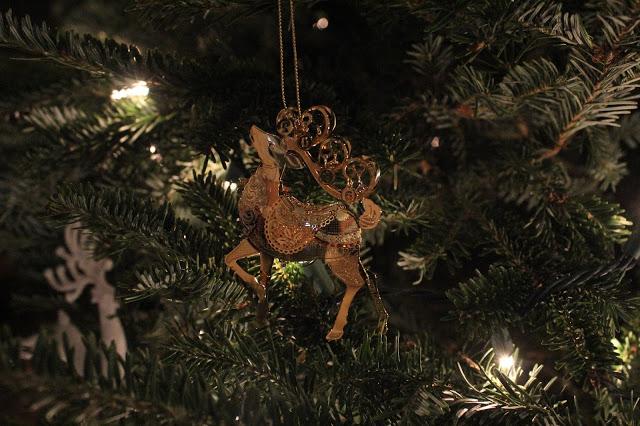 Stilettos and Diapers | Christmas Home Tour 2016 | Danbury Mint Ornaments