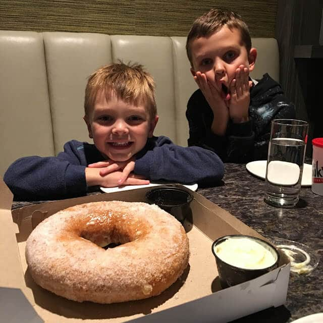 Charlotte Marriott City Center, Stoke 1lb donut