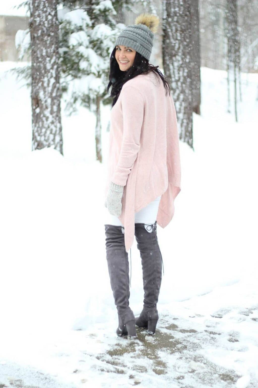 How to wear white jeans in the winter with otk boots and pom beanie