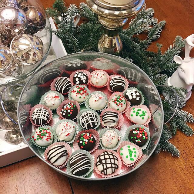 Christmas Oreo Ball Truffles
