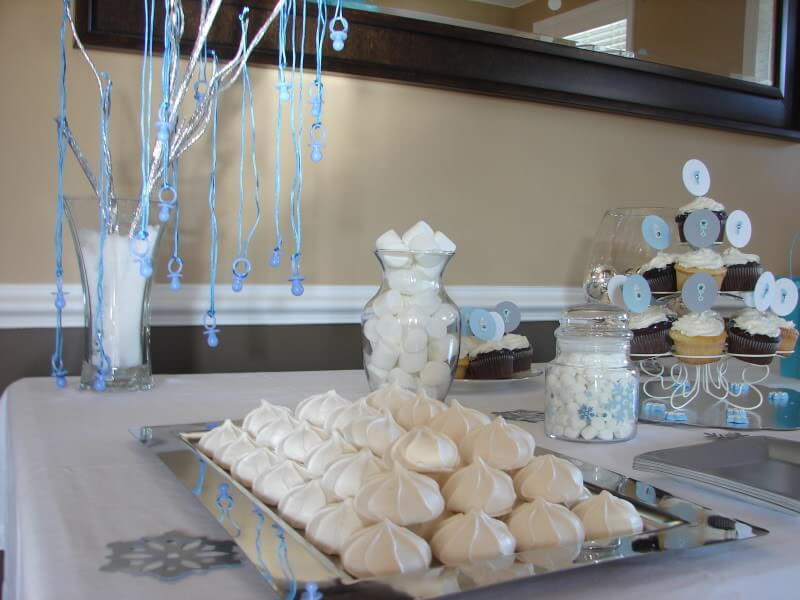 Winter Wonderland Baby Shower via Stilettos and Diapers