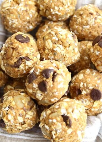 Pumpkin Oat Balls {Recipe}