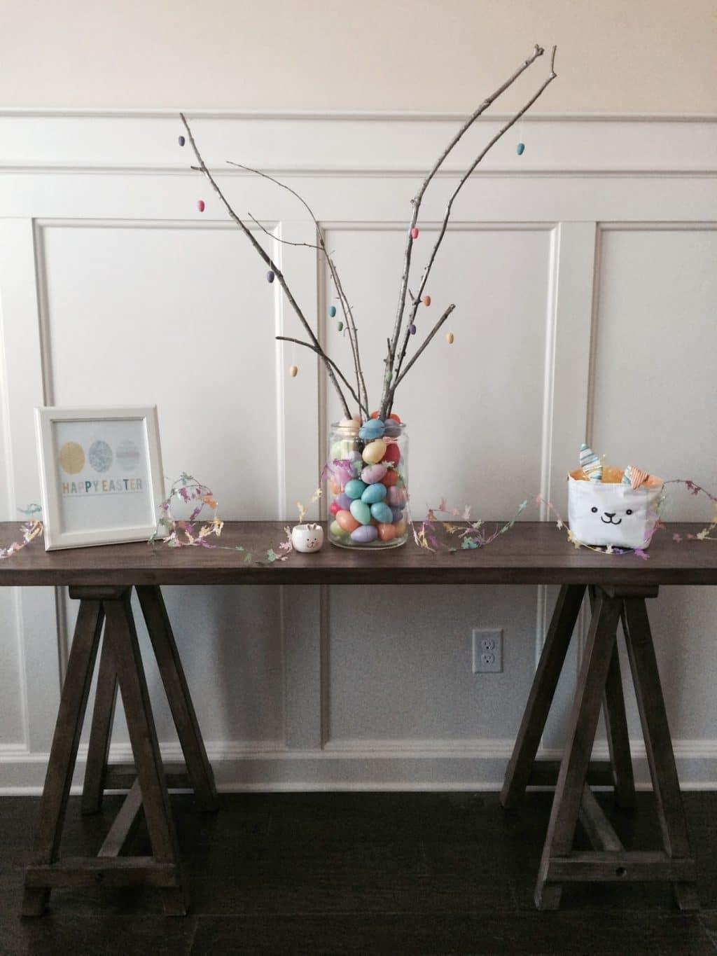 Easy Easter Table and Centerpiece