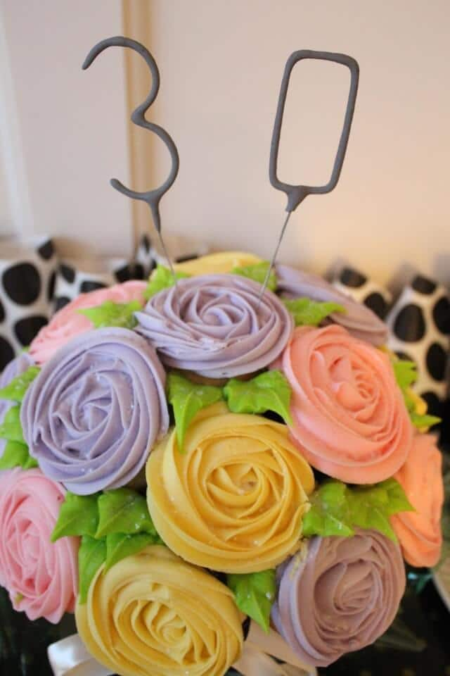 Black and Gold 30th Birthday, cupcake bouquet