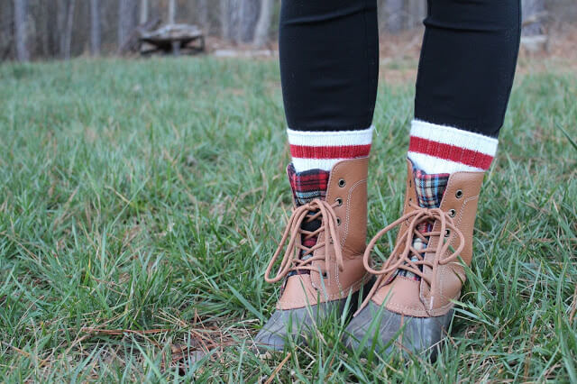 duck boots, sock with red stripe