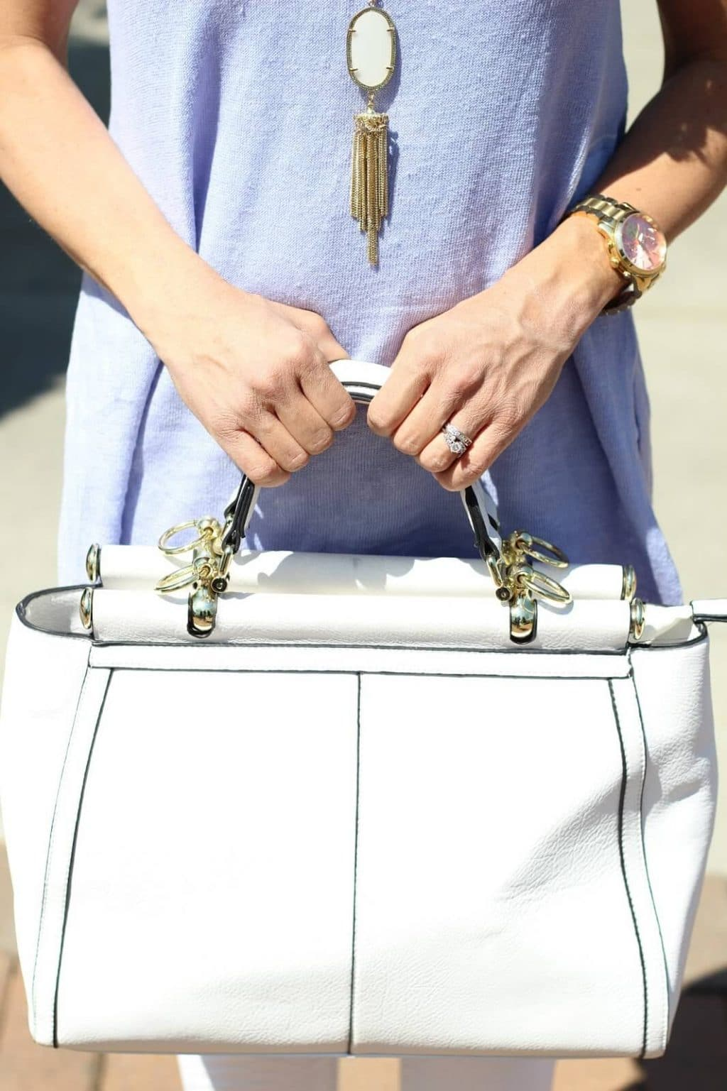 White tote spring style