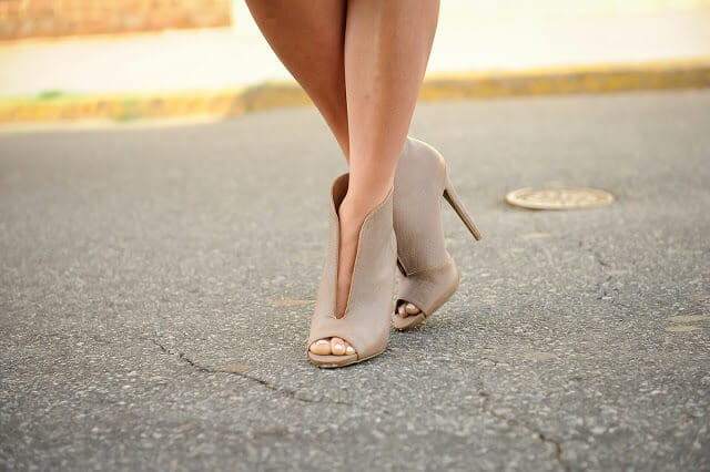 Open top peep toe booties