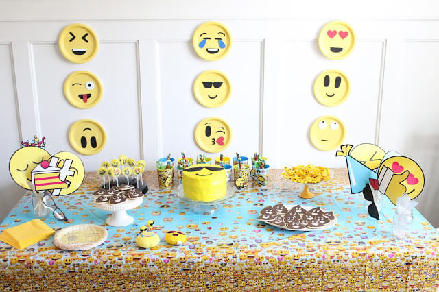 5 Year Old Birthday Emoji Party Theme Tablescape