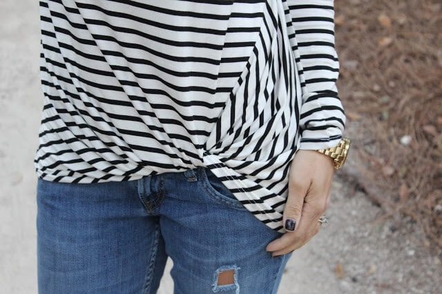 Striped knot front tee, levis skinny