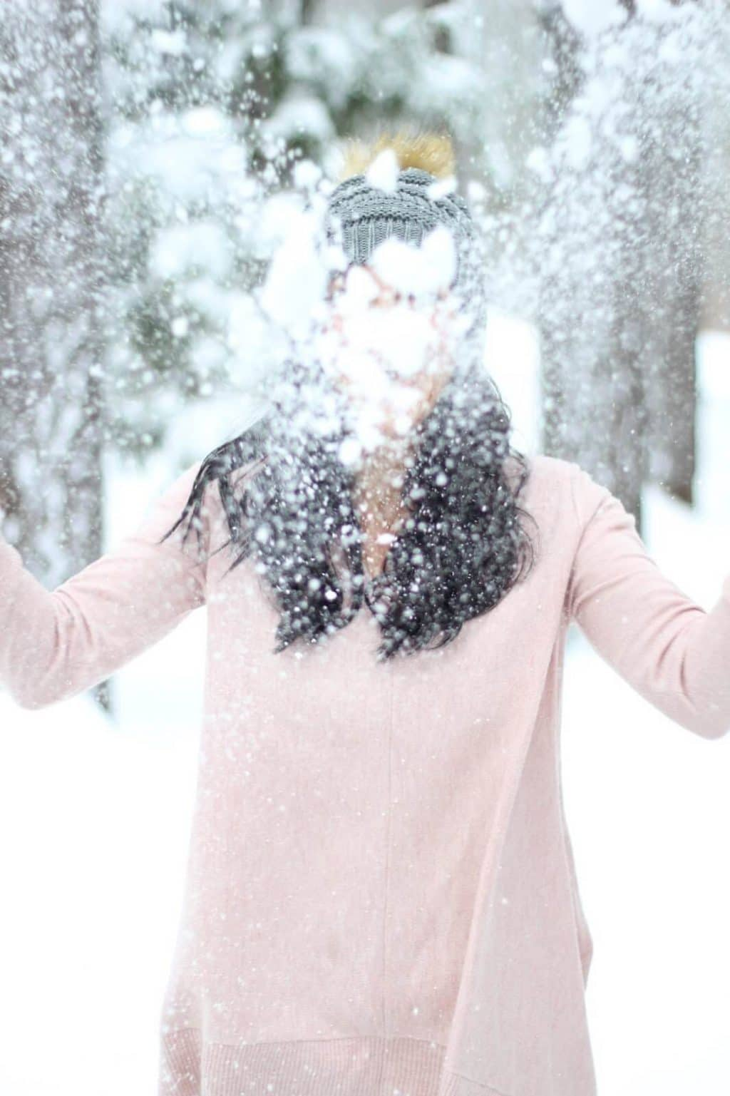 Snow throw picture