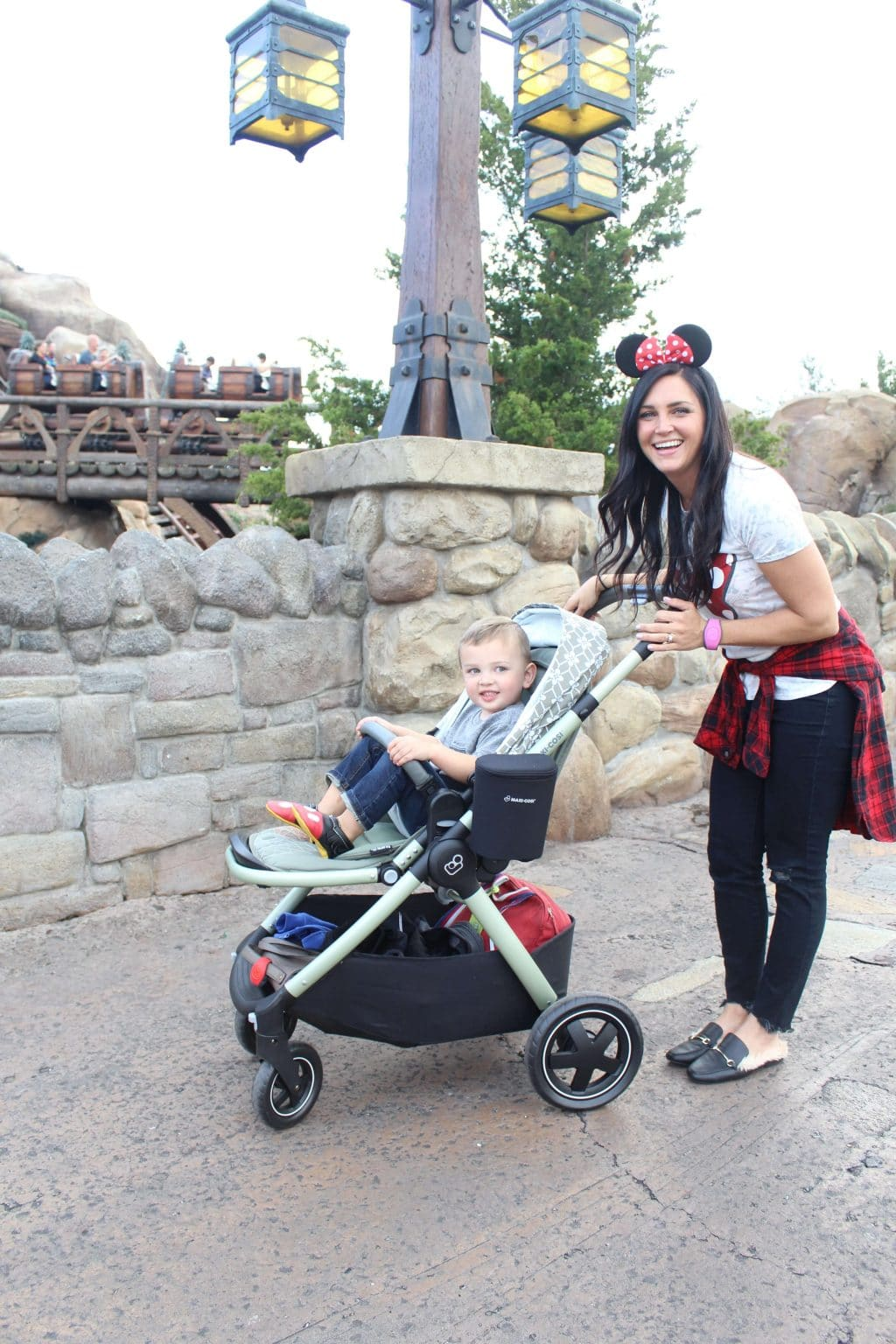Disney With Kids: 5 Must Haves - Stilettos \u0026 Diapers