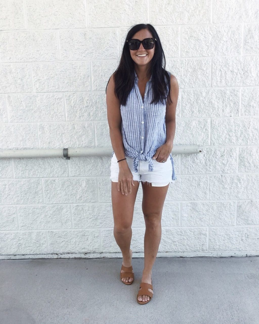 Summer style, Stilettos and Diapers, Best white shorts, tie front top
