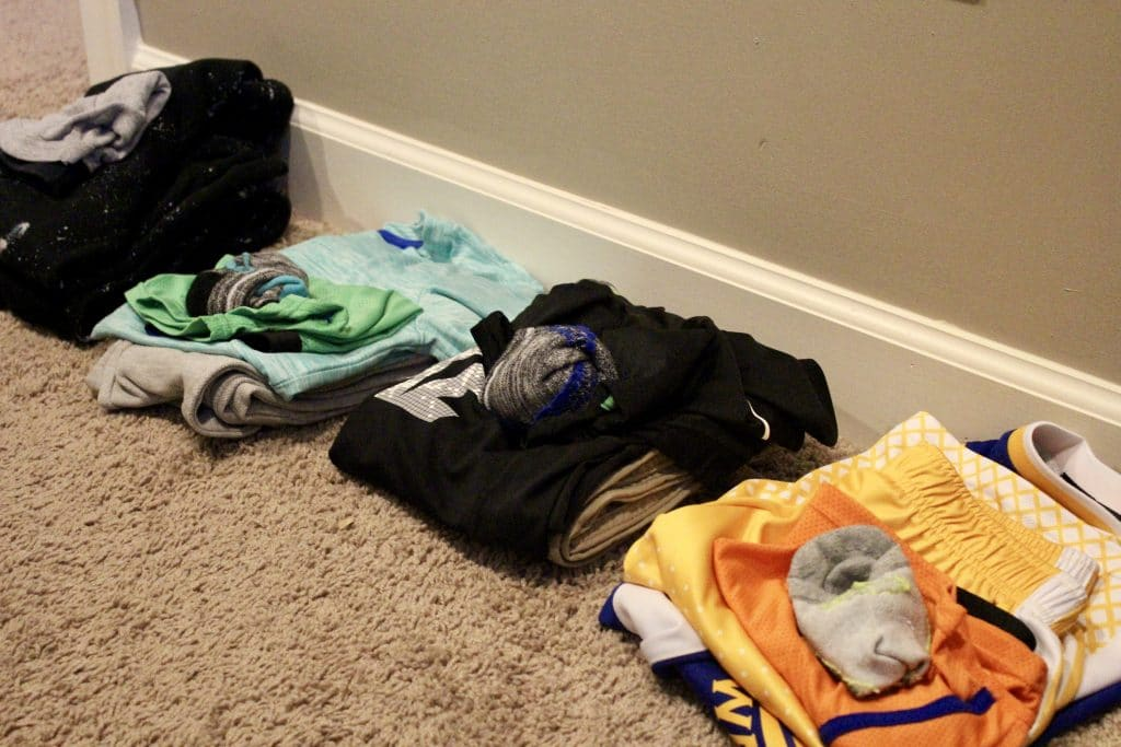Lay Out Kids Clothes for the week, Stilettos and Diapers, Kids morning routine