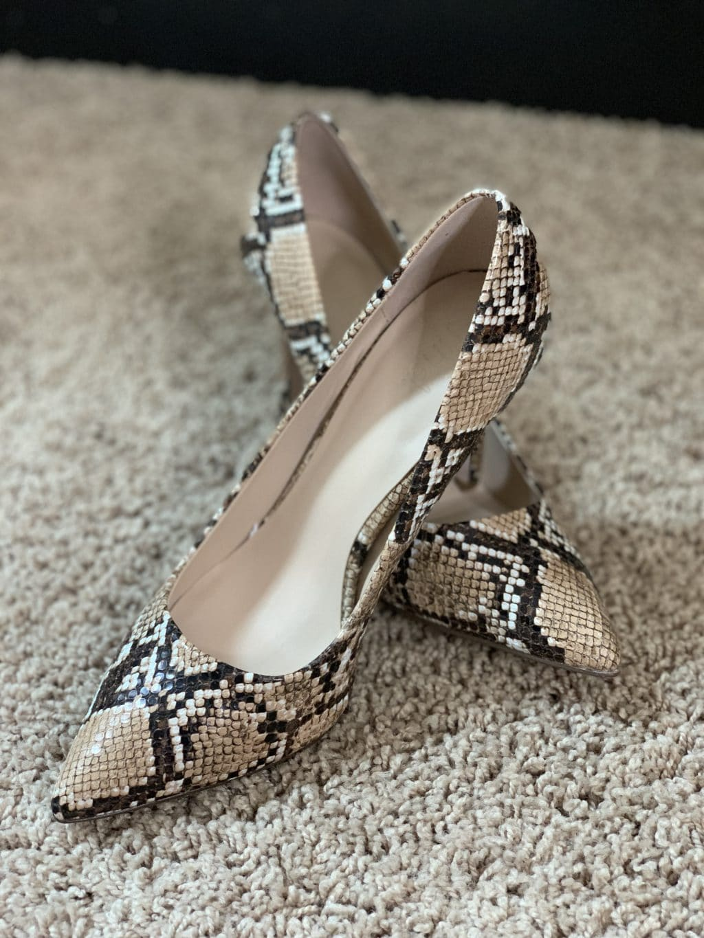 Amazon Finds, Amazon Style, Stilettos and Diapers, Molly Wey, snakeskin pumps, fall heels