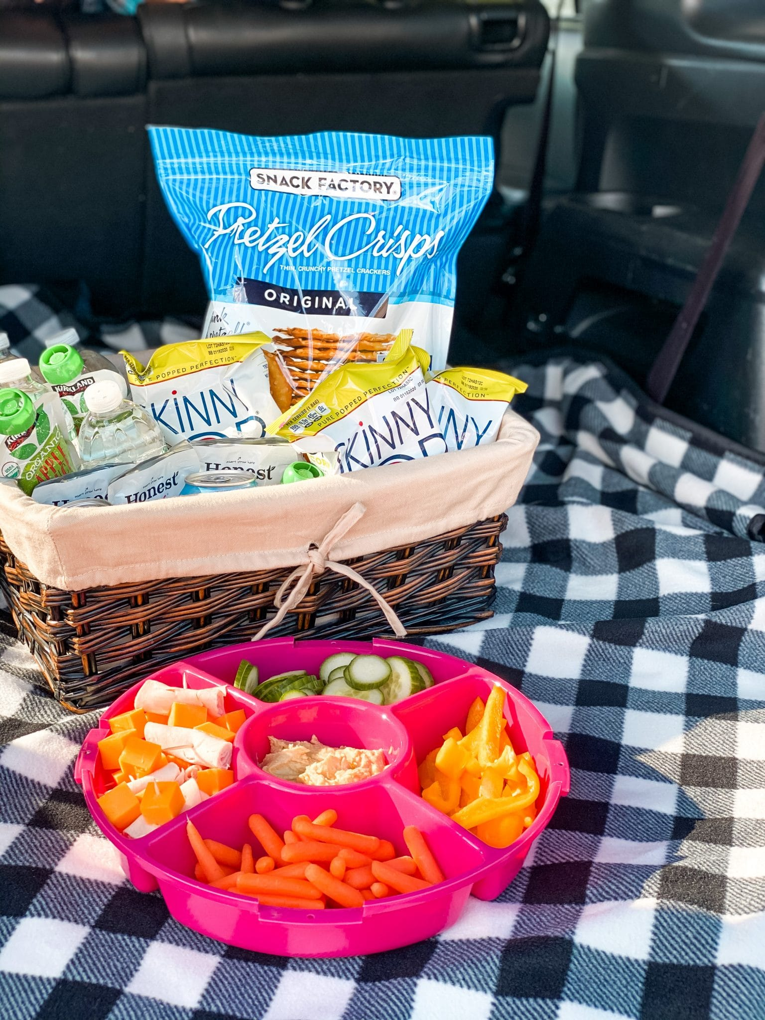 Car tailgate picnic, Stilettos and Diapers, Autotrader #DriveForward