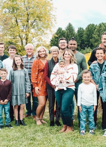 Large Family, Ohio Family Fall Pictures, Stilettos and Diapers