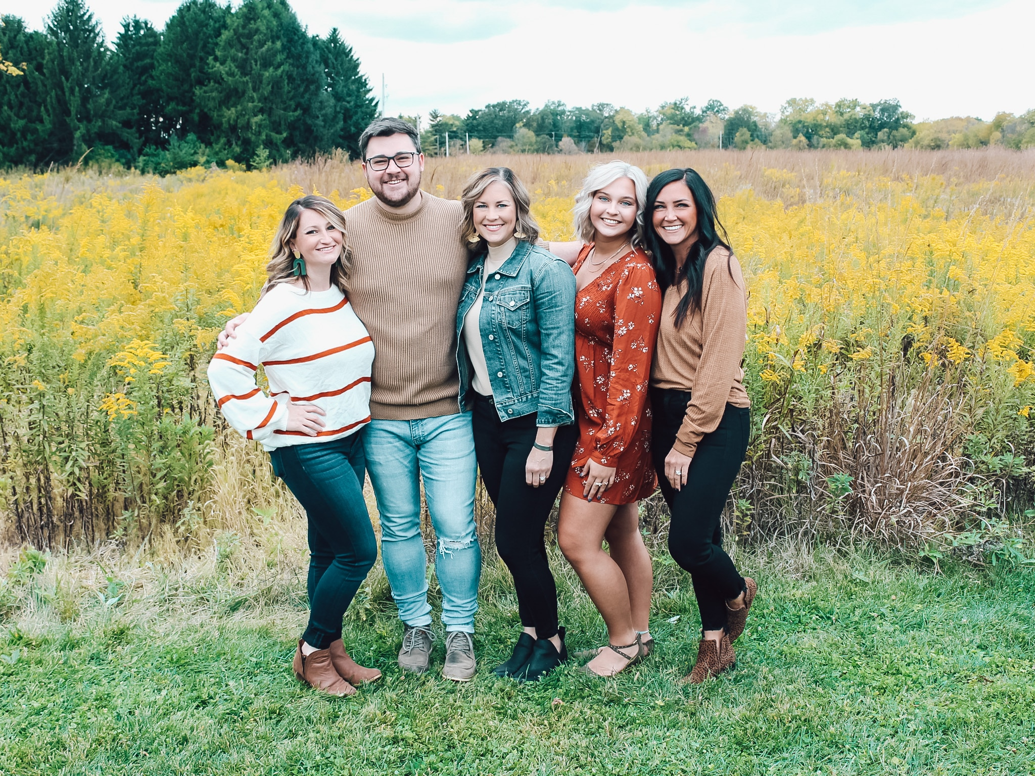 Large Family, Ohio Family Fall Pictures, Stilettos and Diapers, Siblings