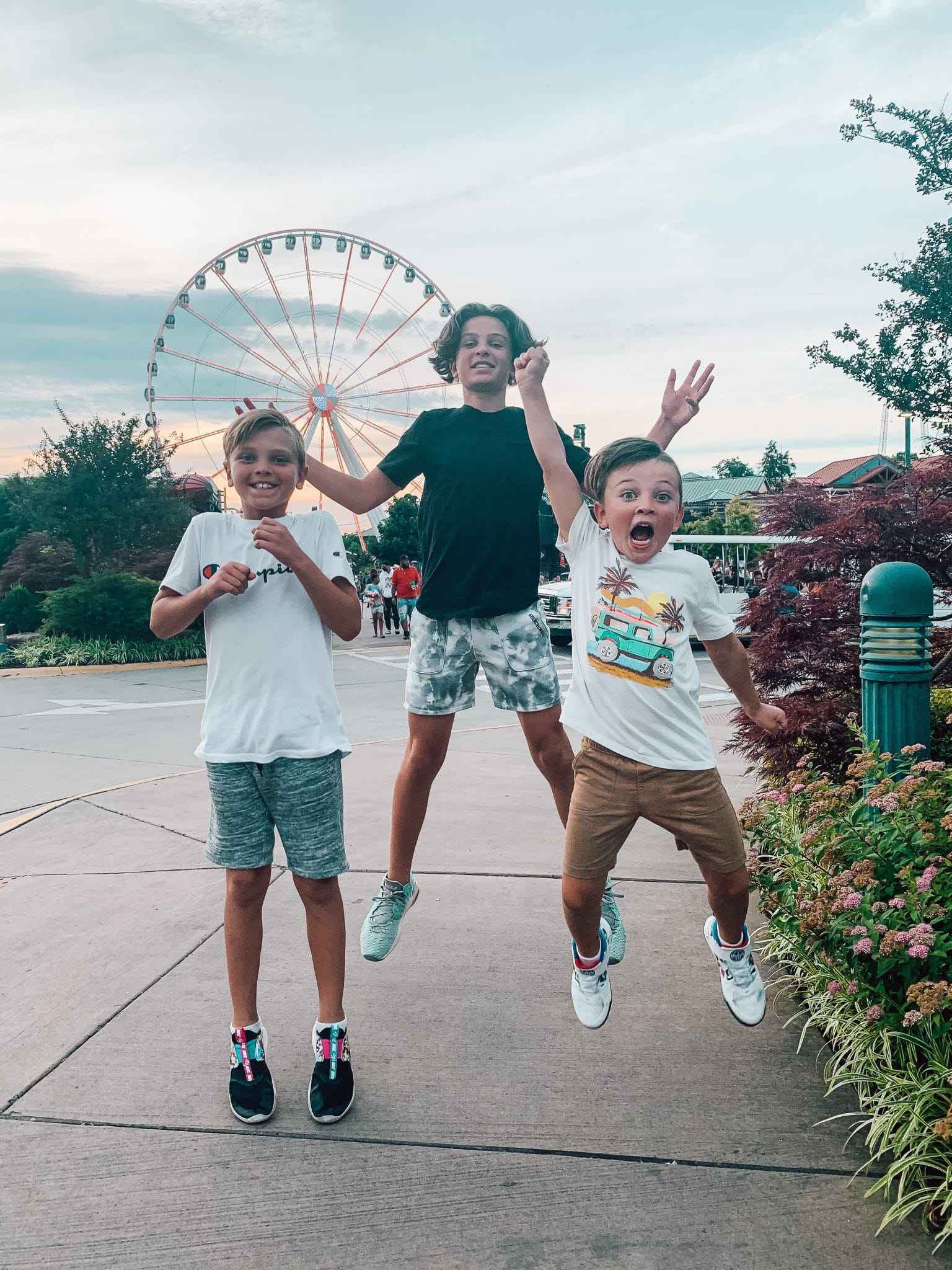 The Island, The Wheel, Pigeon Forge Family Travel Guide, Stilettos and Diapers