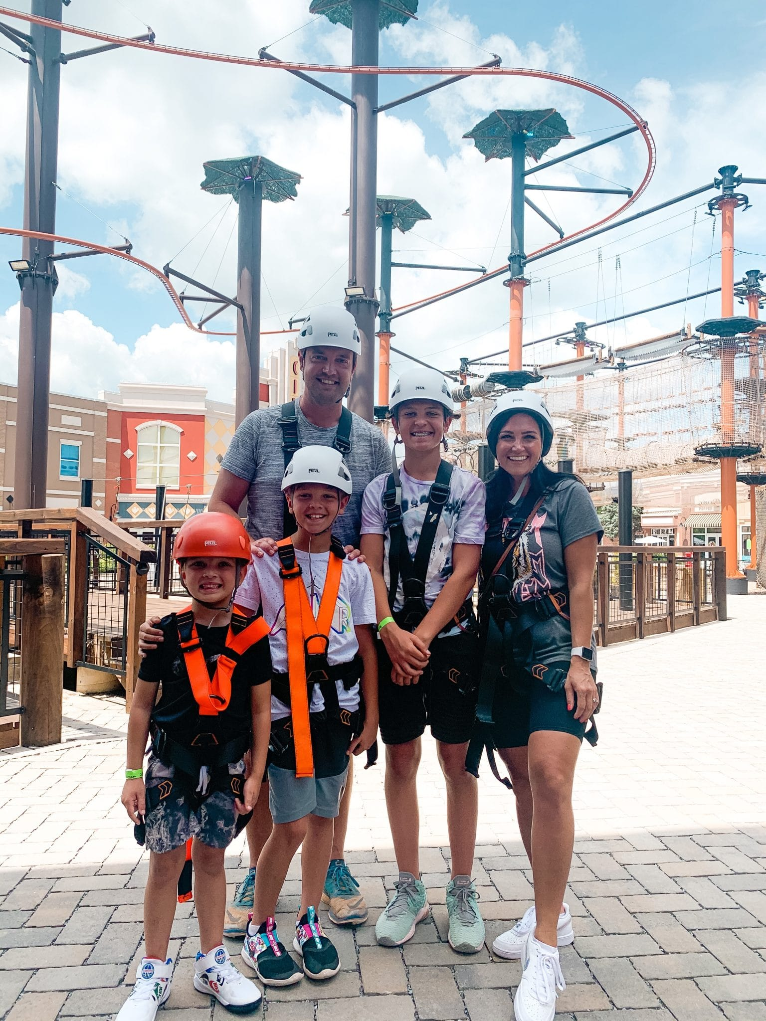 Paula Deen Lumberjack Feud, Pigeon Forge Family Travel Guide, Stilettos and Diapers