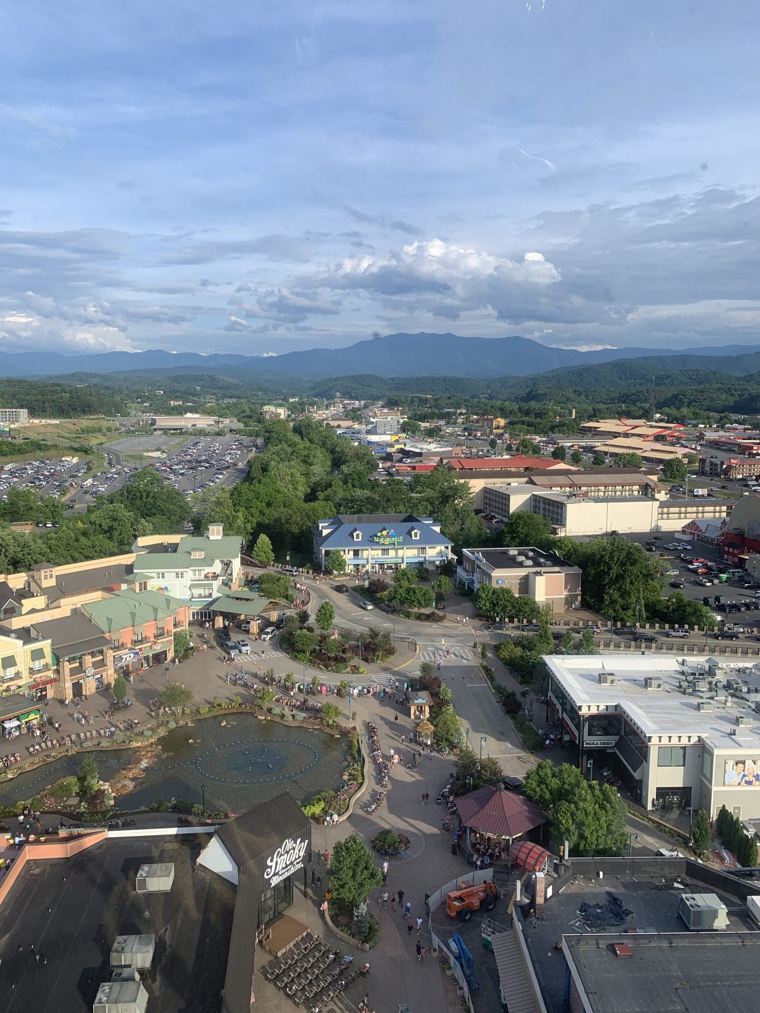 The Wheel, Pigeon Forge Family Travel Guide, Stilettos and Diapers